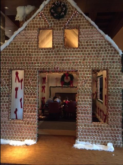 Ritz Carlton takes gingerbread houses to the extreme