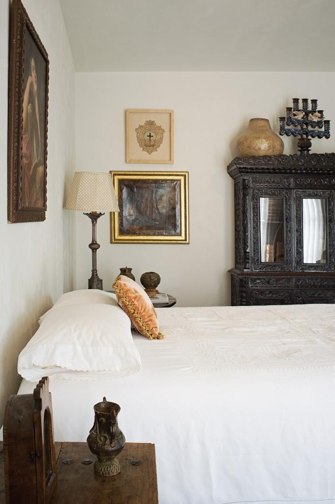 Vasquez-Bedroom-049-681x1024