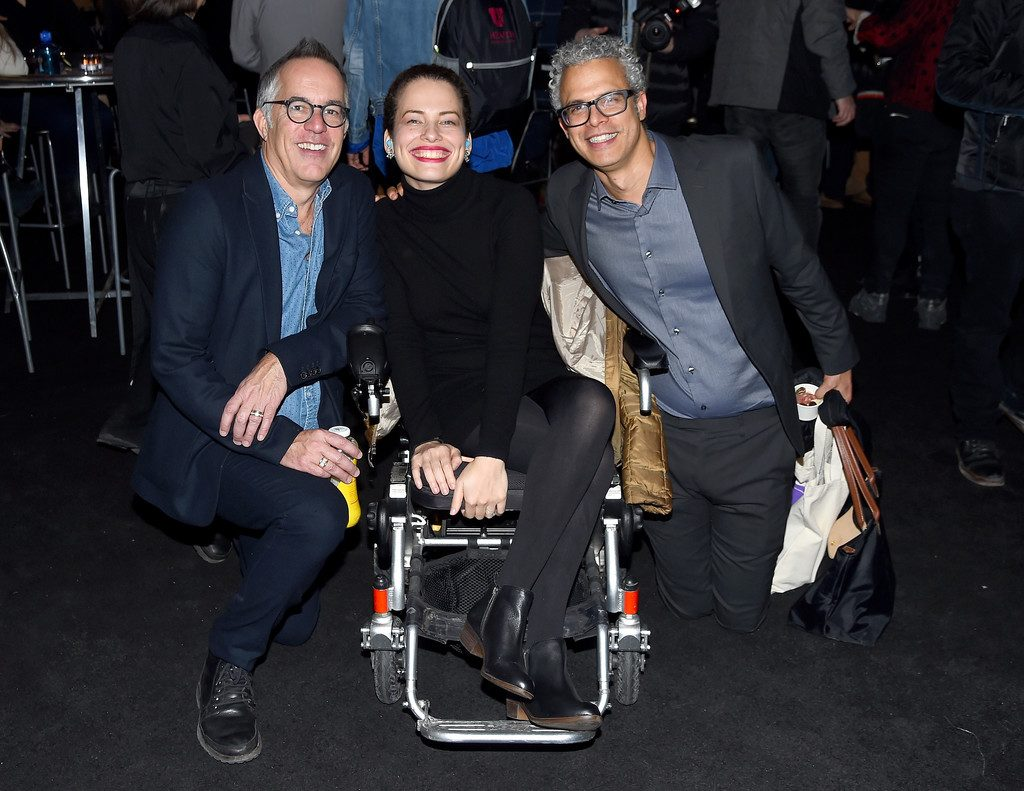 Jennifer is all smiles at Sundance with John Cooper (left), director of the Sundance Film Festival, and husband Omar (right). (Photo: Nicholas Hunt, Getty Images)