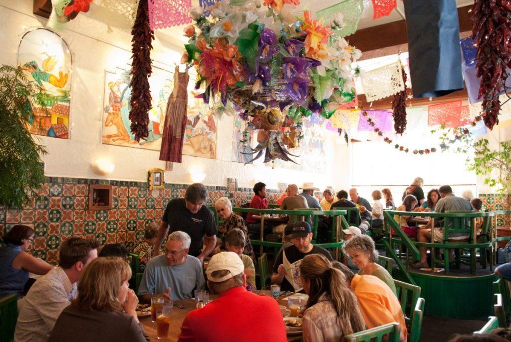The interior of Cafe Pasqual's, Santa Fe. (Photo: santafetrip.com)