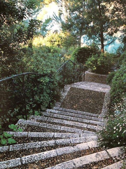 Steps of carefully laid river pebbles leading to the sea in Cap d'Antibes. (Photo: Vincent Motte)