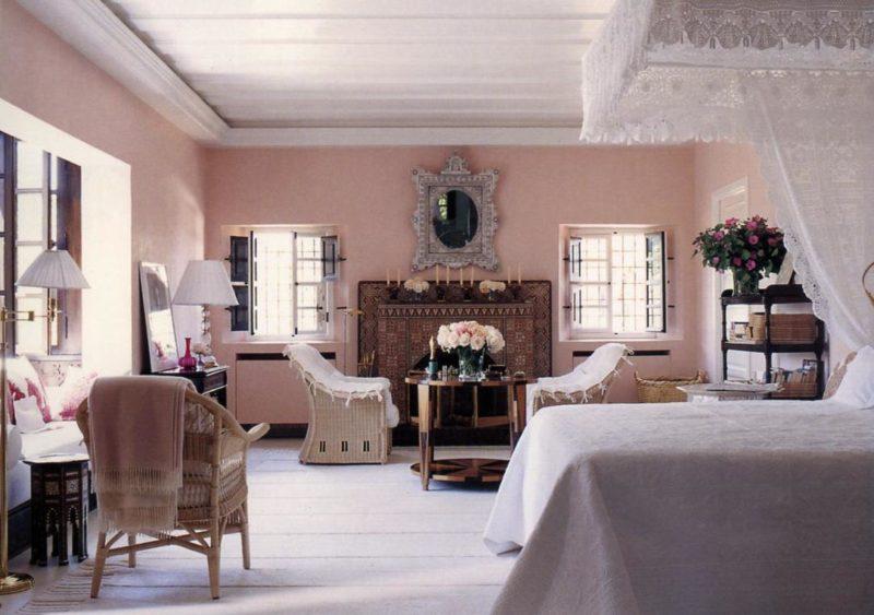 Marella Agnelli's bedroom at Ain Kassimou. (Photo: Eric Boman)