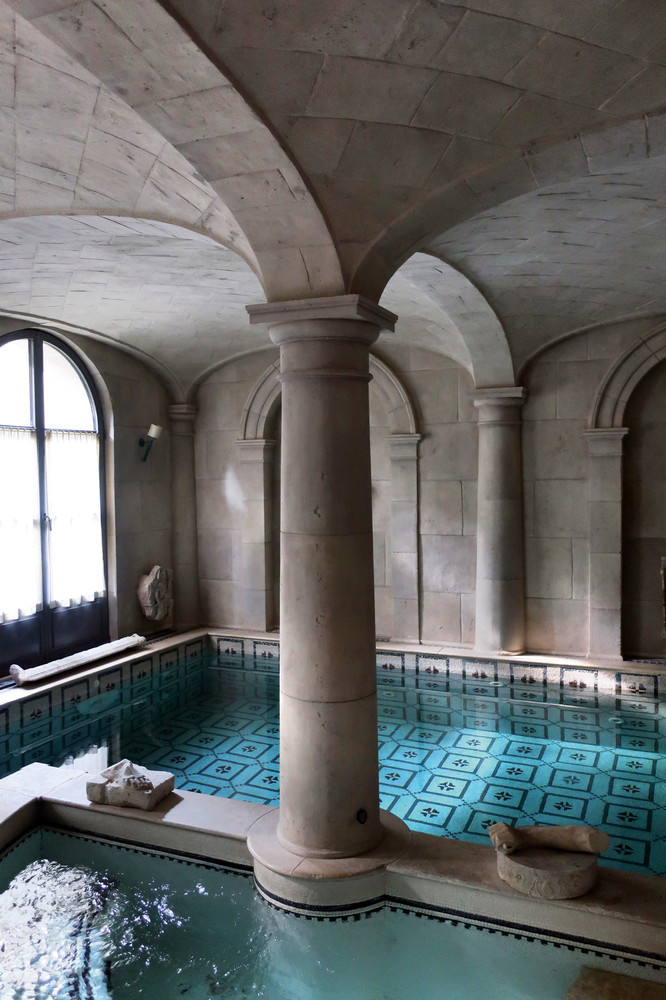 The swimming pool and baths inside a Munich home. (Photo: Roberto Peregalli)