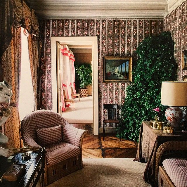 A passage room in Agnelli's Turin home. Design by Renzo Mongiardino. (Photo: Oberto Gili)