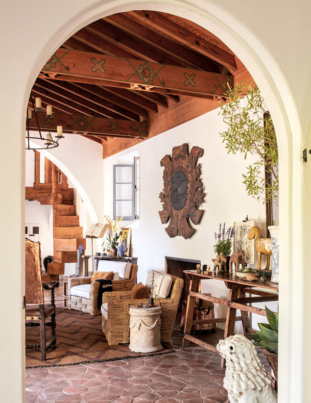 Richard Hallberg's Montecito home. (Photo: Max Kim-Bee)