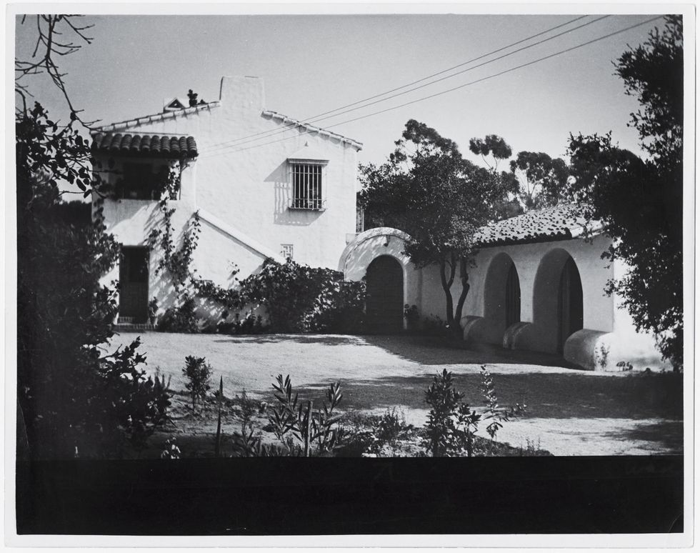 House designed by Lutah Maria Riggs. Now owned by Richard Hallberg. (Photo: Art Design and Architecture Museum)