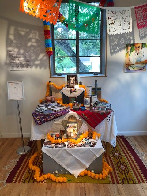 An ofrenda for Cicero adds a touch of México, their second home which they loved so much.
