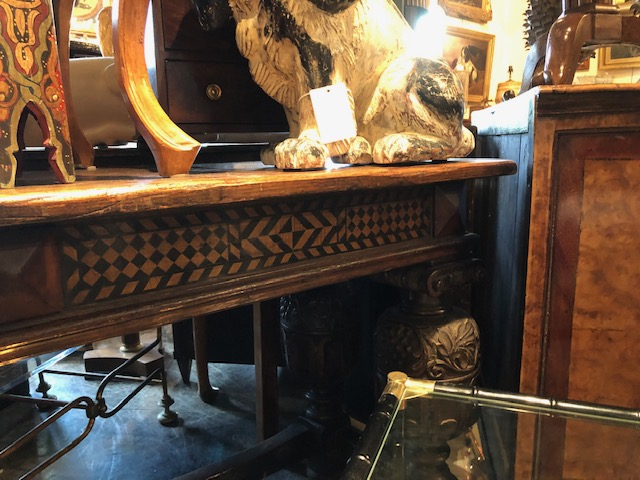 English Accent Antiques.