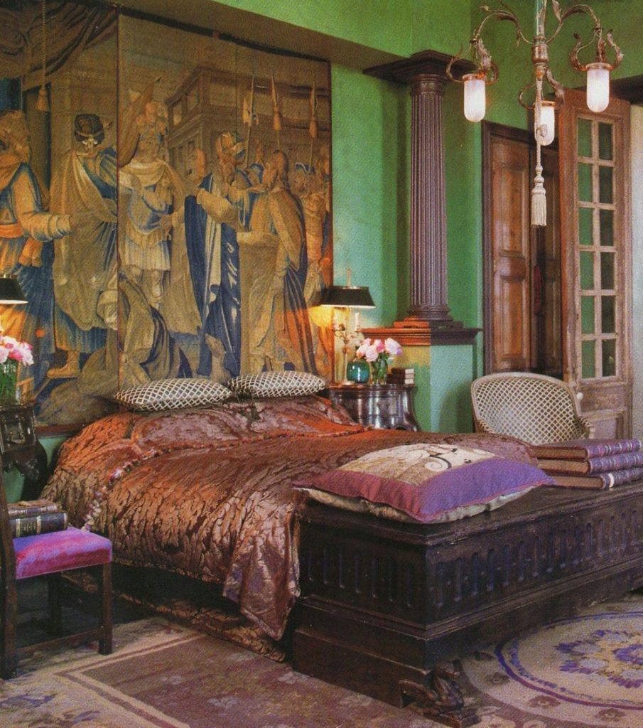 Gwynn's master bedroom take one. (Photo: source unknown)