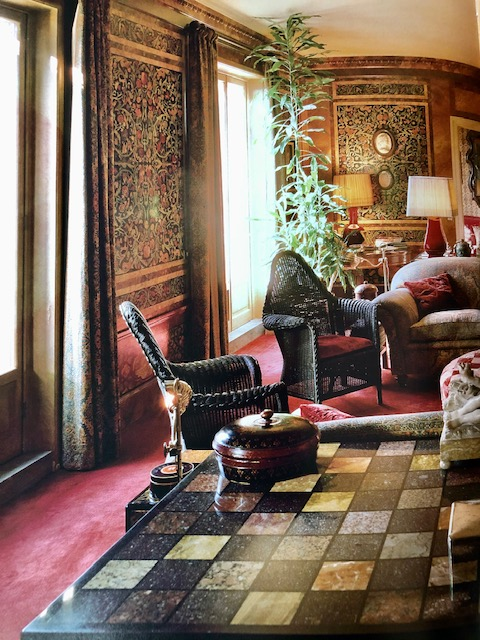 Milan sitting room by Renzo Mongiardino. (Photo: Massimo Listri)